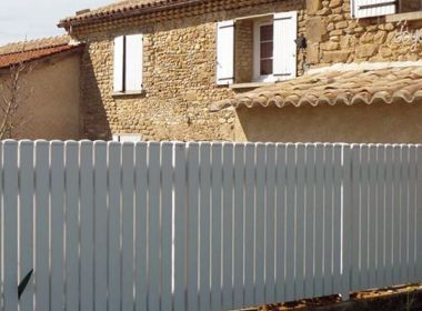 Cl ture et grillage de maison individuelle portillon et for Cloture maison pvc
